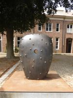 Conqueror-110x75x45-cm-brons-2002