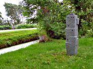 Lingam-VI-ceramics-and-bronze-115x20x20-cm-2010